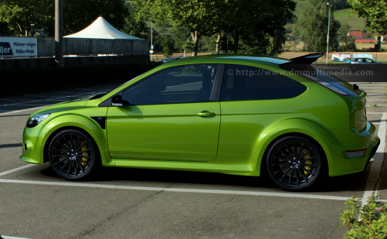 Ford Focus MK2 in Ultimate Green side profile